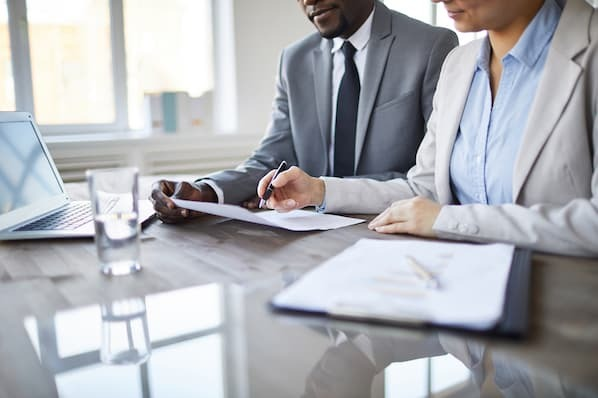 Everything You Need to Know About Sales Commission in 2021 (For Reps & Leaders)