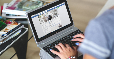 The Sales Rep's Guide to Social Selling on Facebook