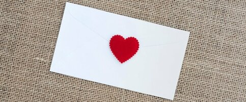 18 Email Newsletter Examples We Love Getting in Our Inboxes